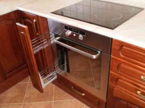 Beépített konyhabútor 010 cseresznye színű ajtókkal , krém színű ...